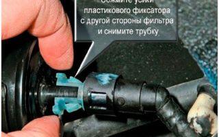 Как поменять бензиновый фильтр на Ладе Калине видео