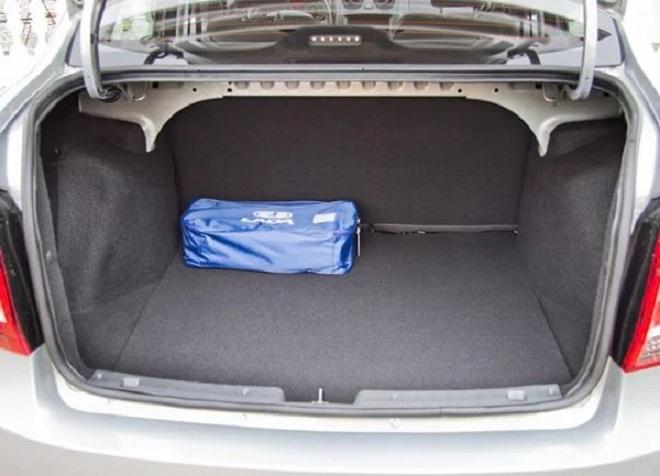 гранта седан объем багажника в литрах